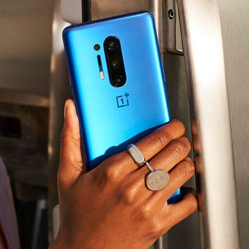 back-to-school-oneplus-blue-phone-hand