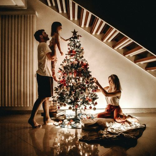 christmas-ancestry-family-tree-decorating