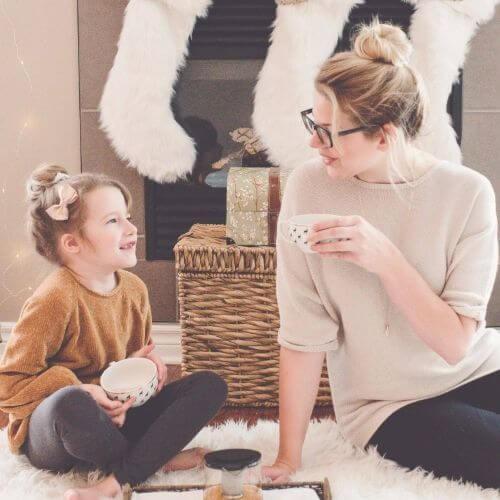 christmas-macys-mother-daughter