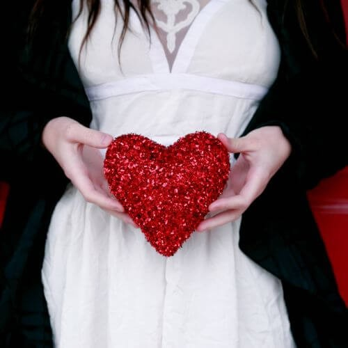valentines-day-macys-white-dress-glitter-heart