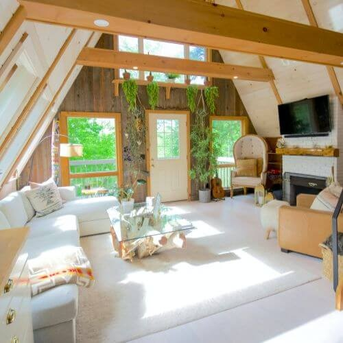 mothers-day-airbnb-cute-fresh-cabin-room