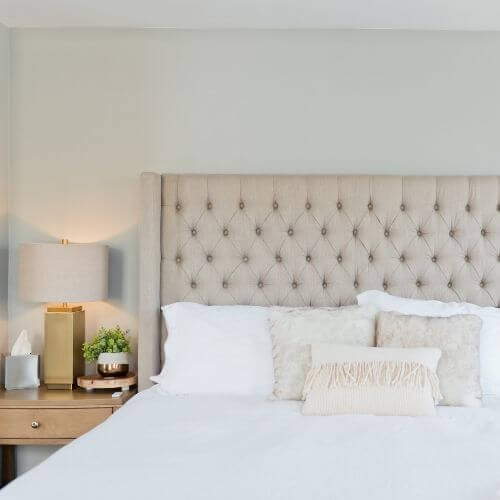 mothers-day-casper-white-bed-pillows