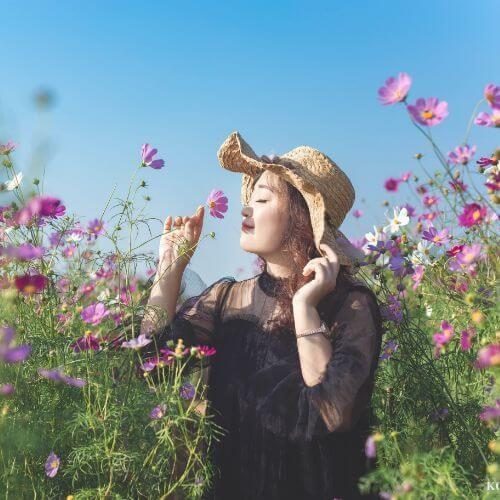 mothers-day-tj-maxx-flower-field-woman